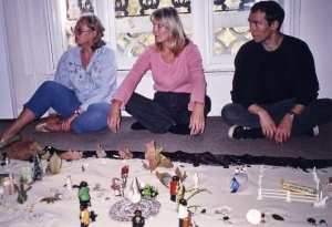 theory use and therapeutic value of symbolic play The therapeutic value of symbolic play in terms of the therapeutic value of symbolic play, as axline (1964) discusses, therapeutic play can be delivered through one of two major approaches, namely via non-directive play therapy and via directive play therapy (oaklander, 1988).